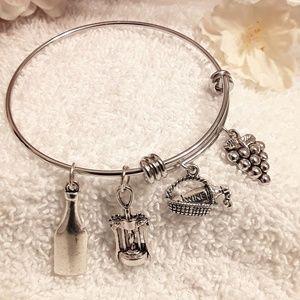 Jewelry - NEW Good Year Wine Charm Bracelet